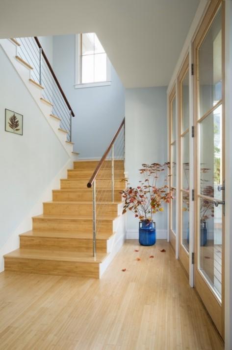 Zuhause-Holzboden-Holztreppe.jpg
